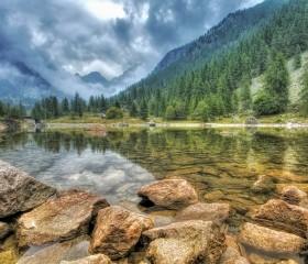 Lac du hameau de Saint-Grat