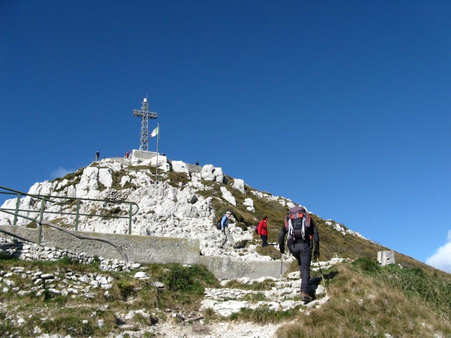 Monte resegone sentiero delle creste for Rifugio resegone valle imagna